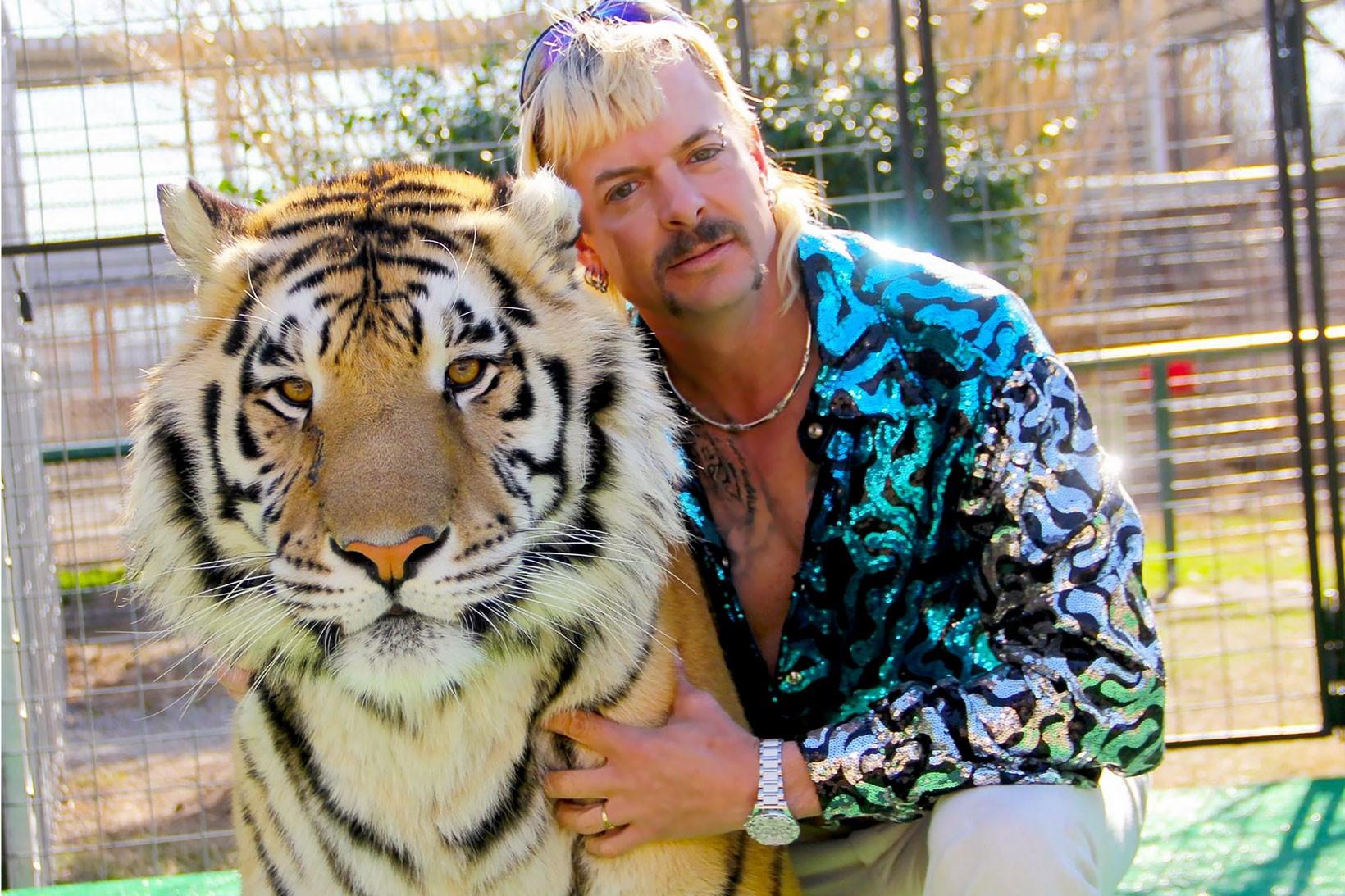 https___hypebeast.com_wp-content_blogs.dir_6_files_2020_03_netflix-tiger-king-joe-exotic-style...jpg